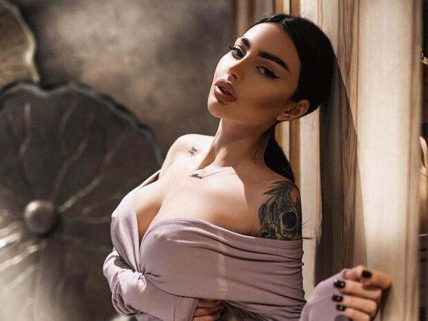 """Украинская Кардашьян"""" Алена Омович показала фигуру в прозрачном ..."""
